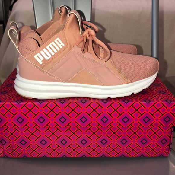 PUMA Zenvo women s running shoes. M 5b80695e7c979d1b6ab7ea41 34f52ecd1